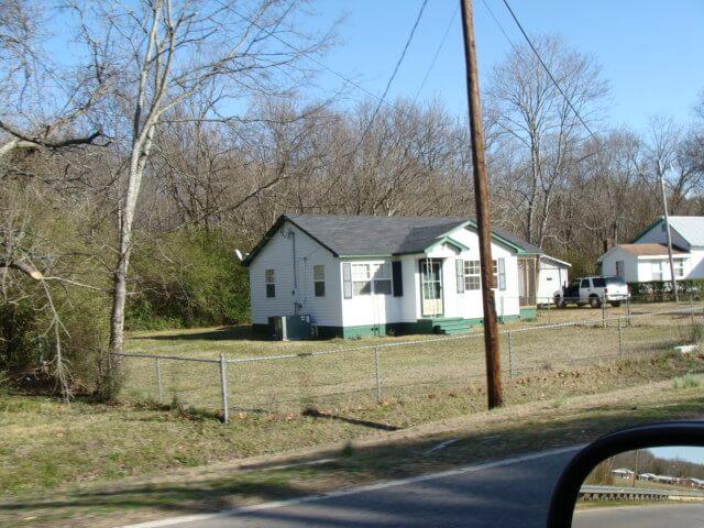 6103 Weaver Rd